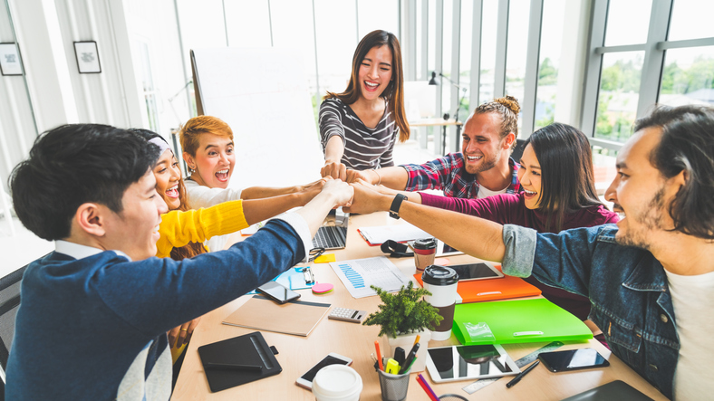 Two Ways To Keep Your Sales Team Motivated